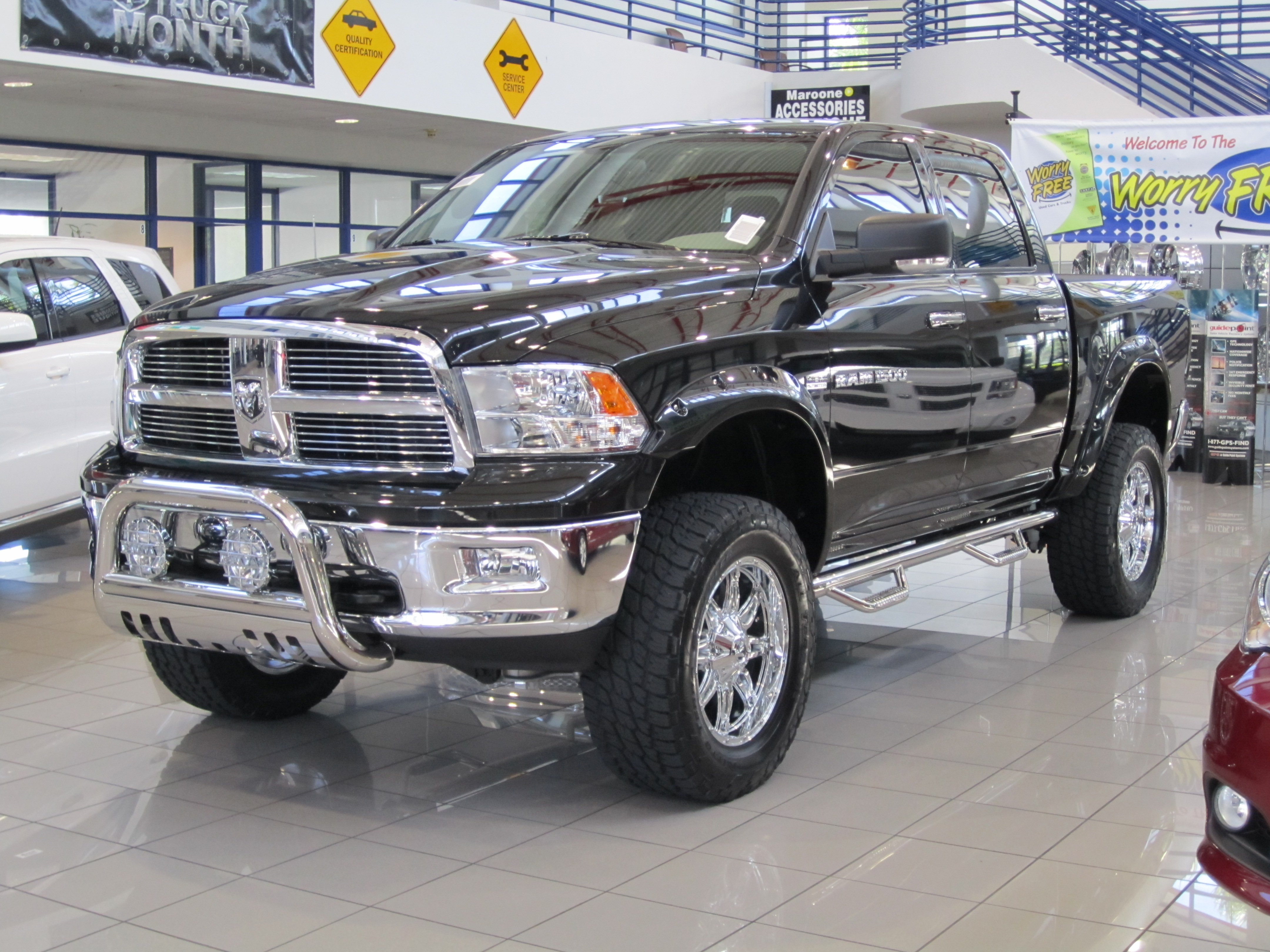 """2013 Ram 1500 6"""" Lift with 35's 